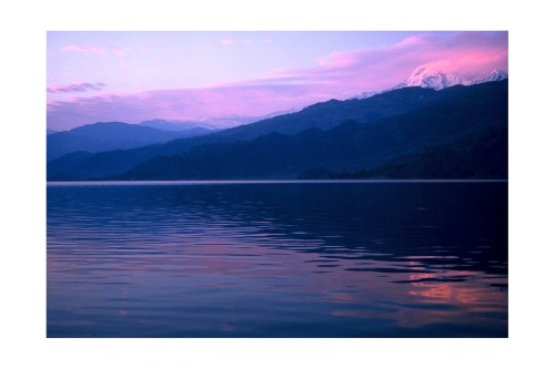 Nepal-Pokhara-Fewa Lake-sunset-mat a