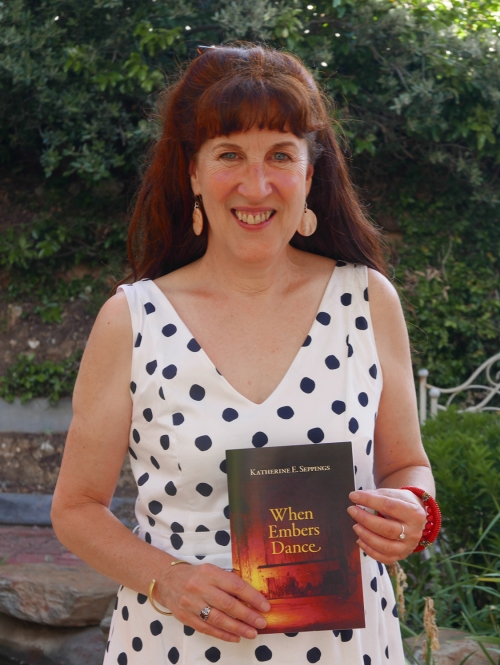 Katherine Seppings_When Embers Dance_launch_the Maurocco Bar_Castlemaine_20151129_0096a s