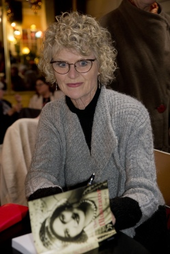 Barclay_Jill_The Illustrator book launch_Maurocco Bar_Castlemaine_20180707_0124b s